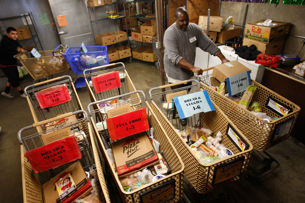 food-bank-food-pantry-poverty